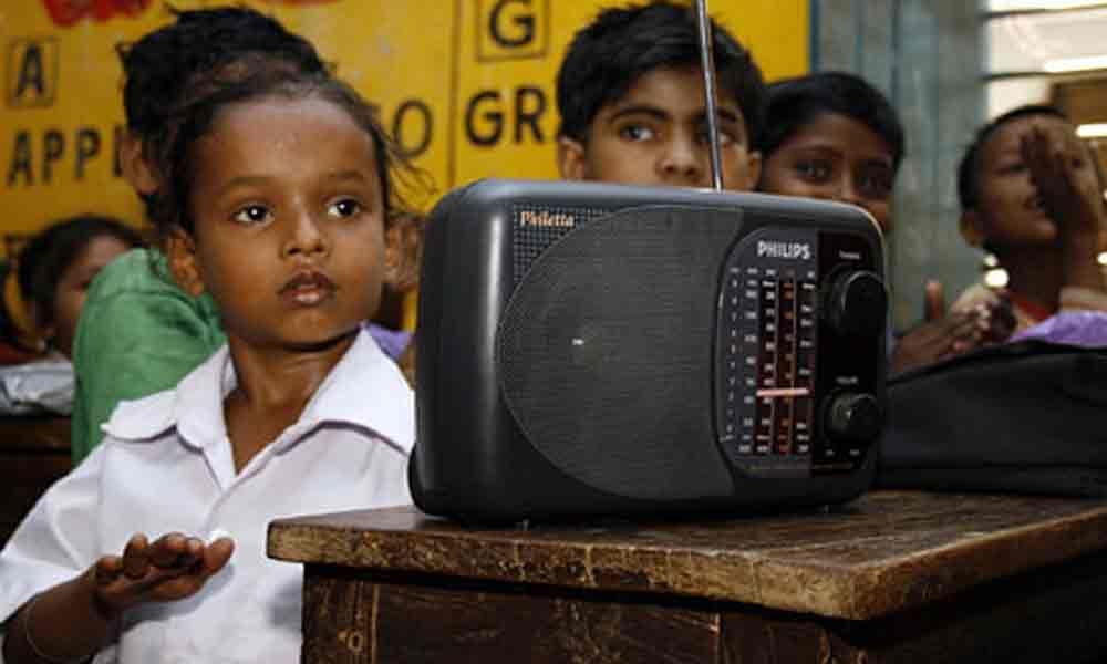 Disorganised radio lessons, of no use
