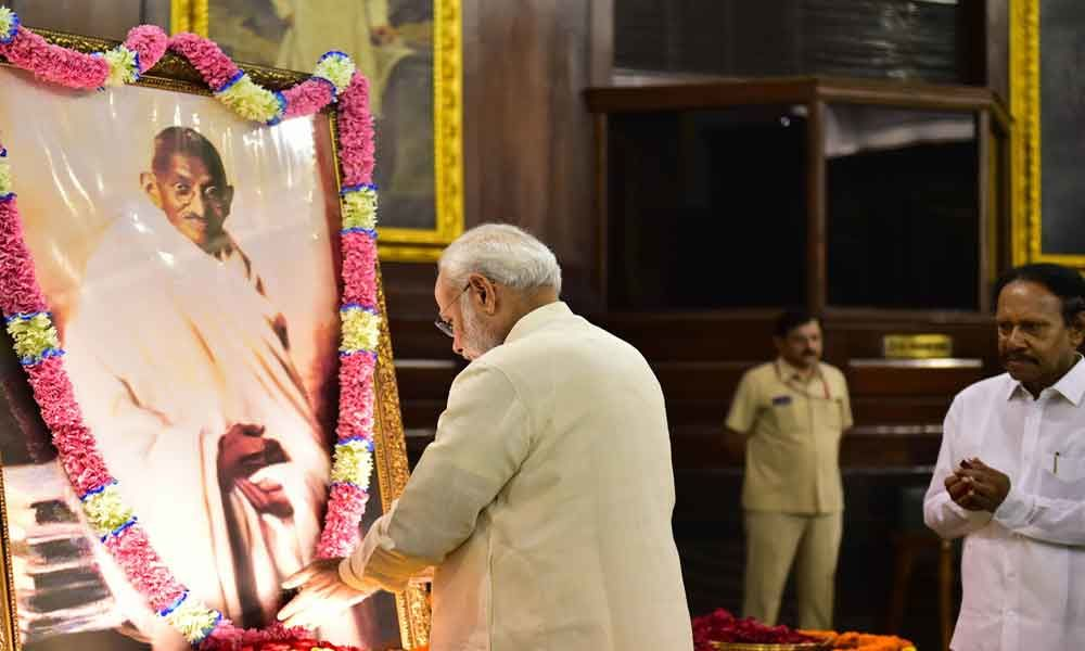 Modi pens Touching ode to Mahatma