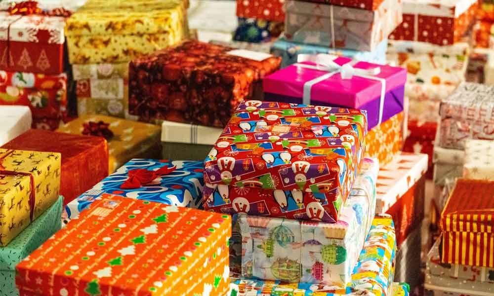 Ban Diwali gifts, a social evil and source of open bribes