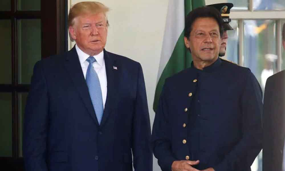 Imran Khan Discusses Kashmir During Phone Call With Donald Trump