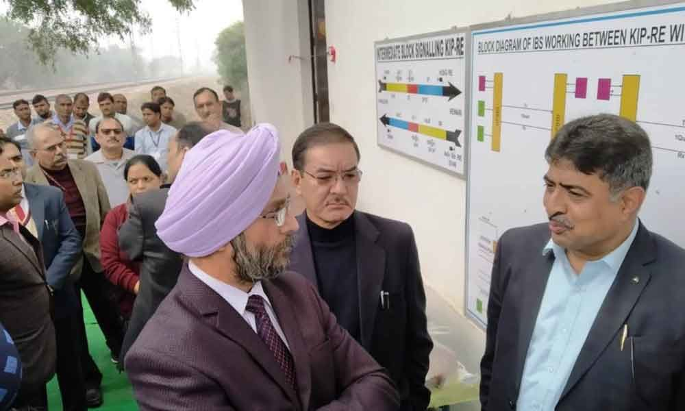 General Manager, Northern Railway inspects rail section of Delhi Division