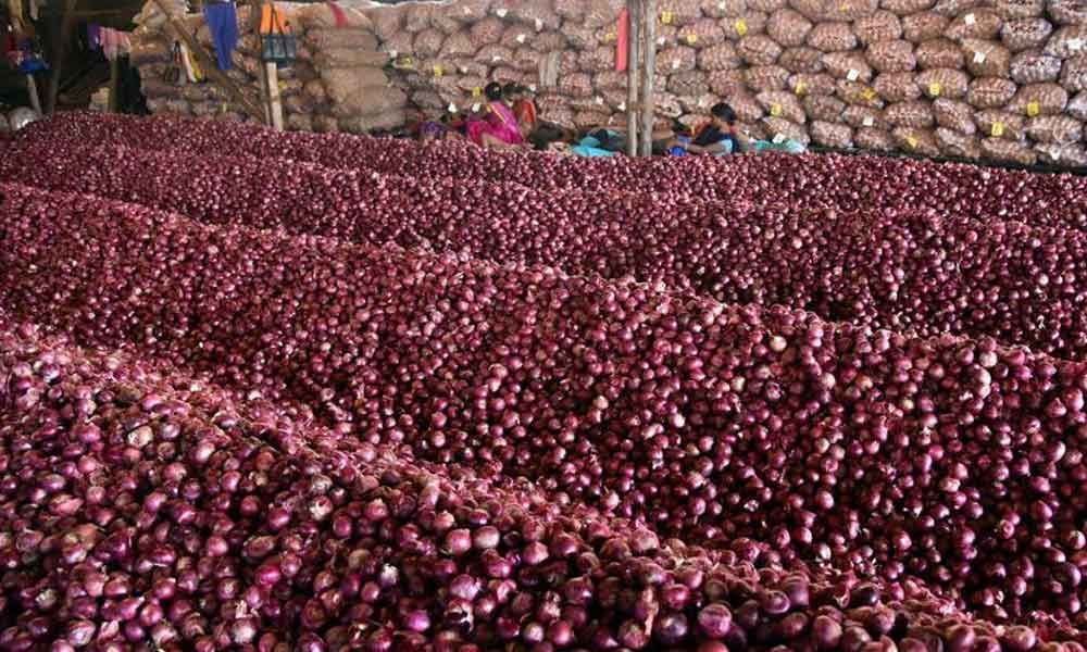 Onion prices increase again in Bangladesh