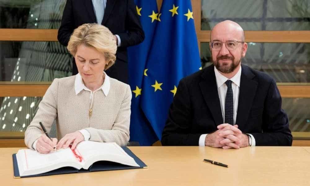 EU chiefs Ursula von der Leyen, Charles Michel sign Brexit deal ahead of parliamentary vote