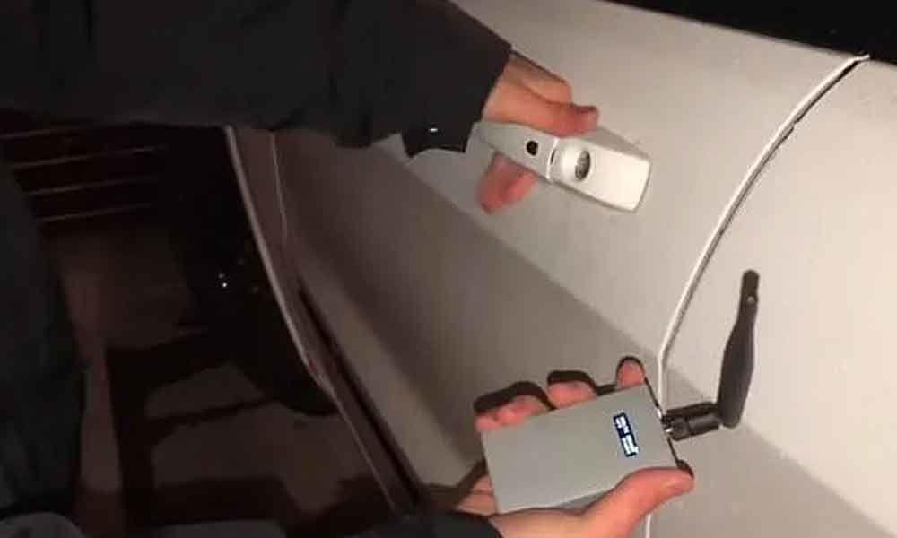 Hacker creates new device that can unlock any luxury car