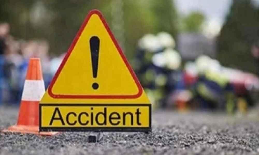 Nine severely injured as van overturns in West Godavari district