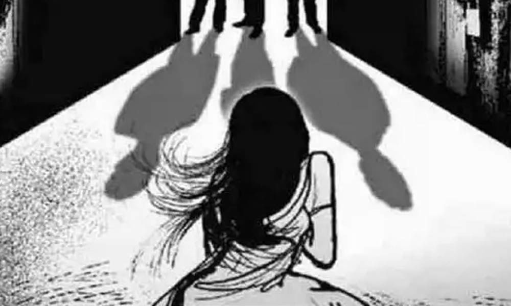Bus driver, conductor held for raping woman in Gujarat