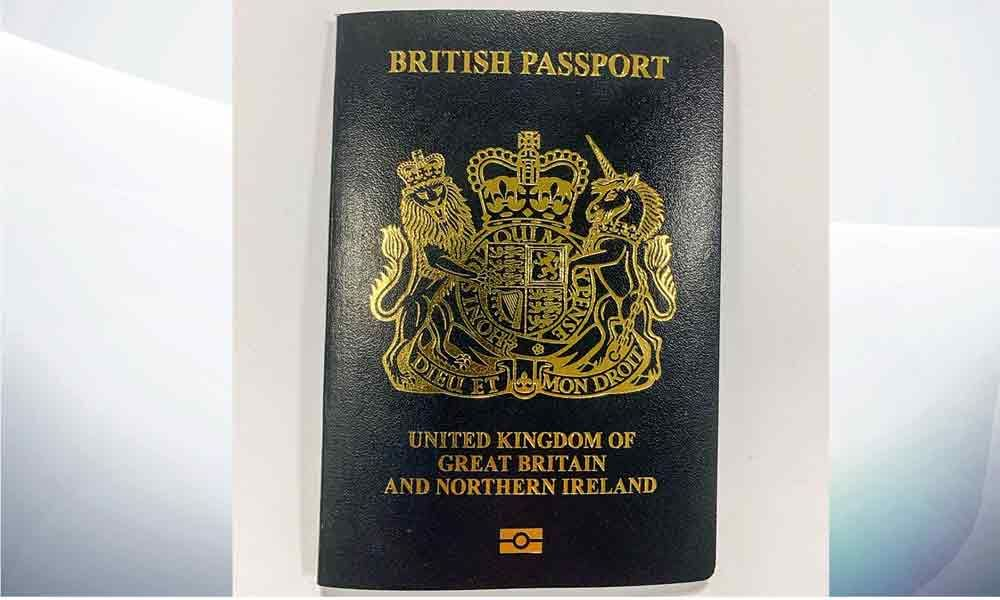 UK to issue blue passports after decades