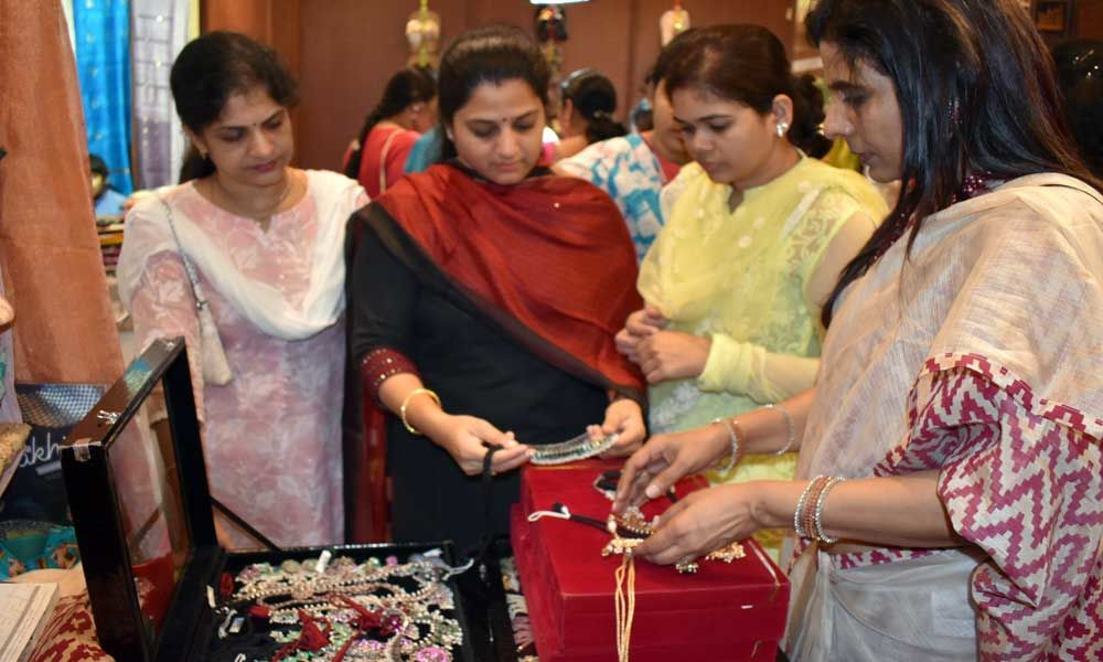 Visakhapatnam: Sutraa launches lifestyle exhibition at Novotel Hotel