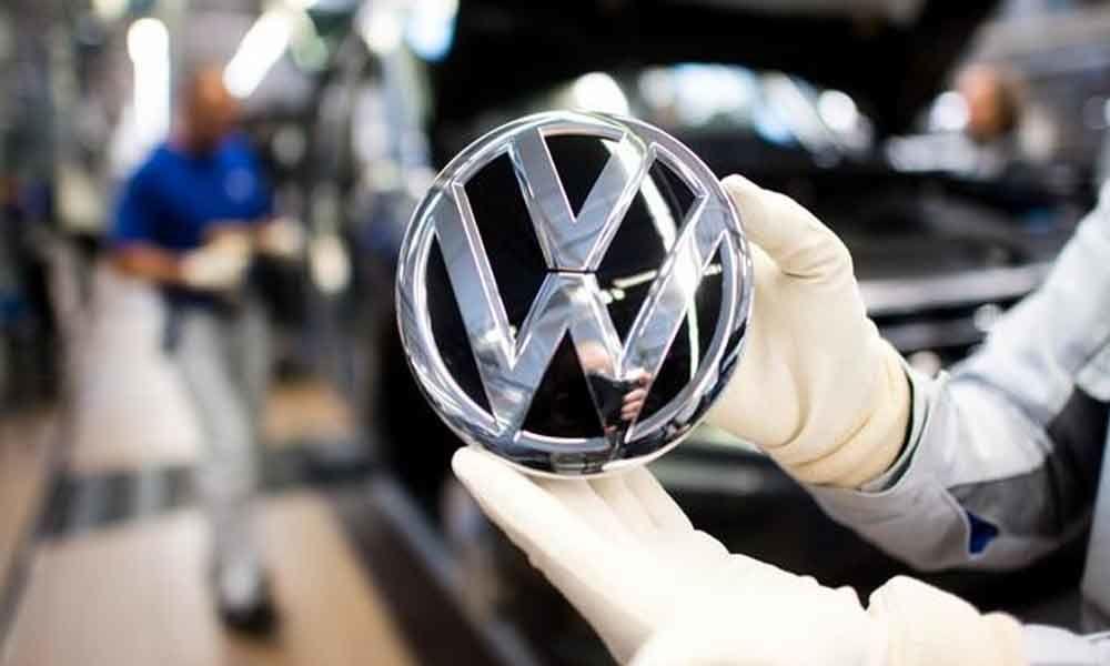 Coronavirus: Volkswagen warns of