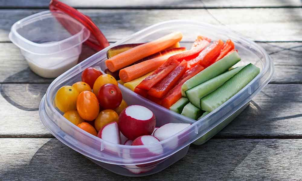 Healthy snacks you need to add to your bag