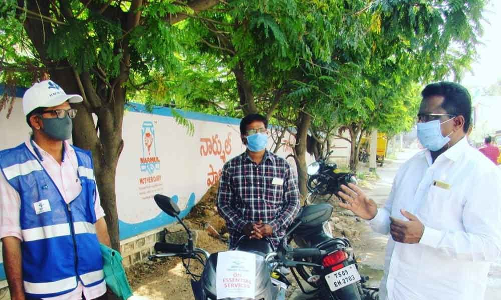 Hyderabad: Corporator Pannala Devender Reddy assures regular water supply in Mallapur