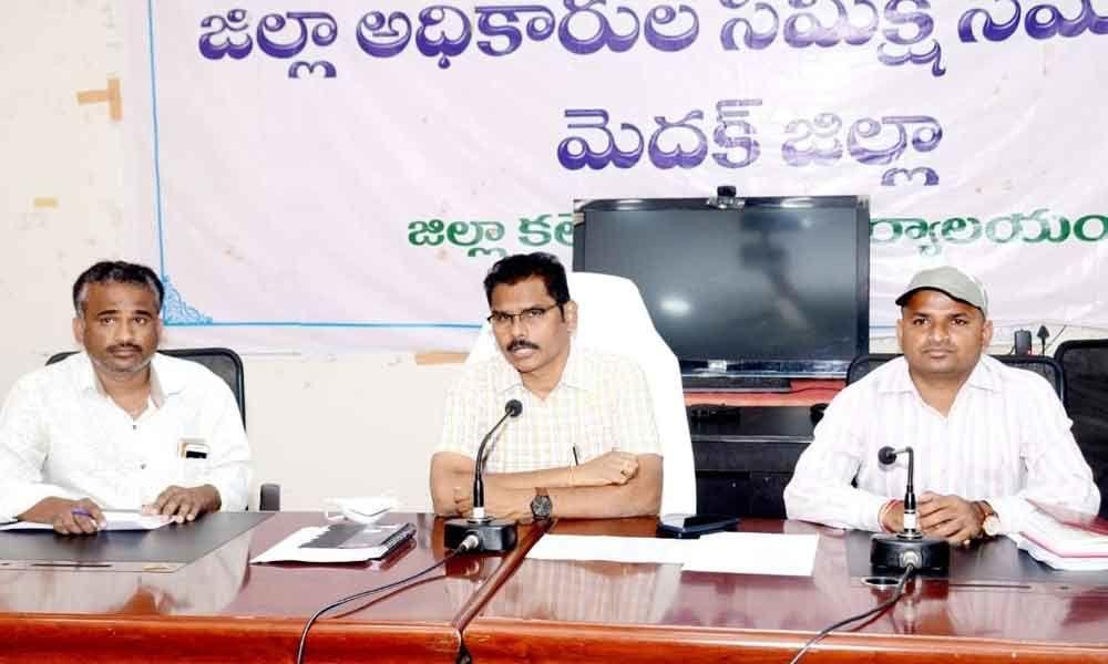 Medak: Contractors told to lift rice stocks