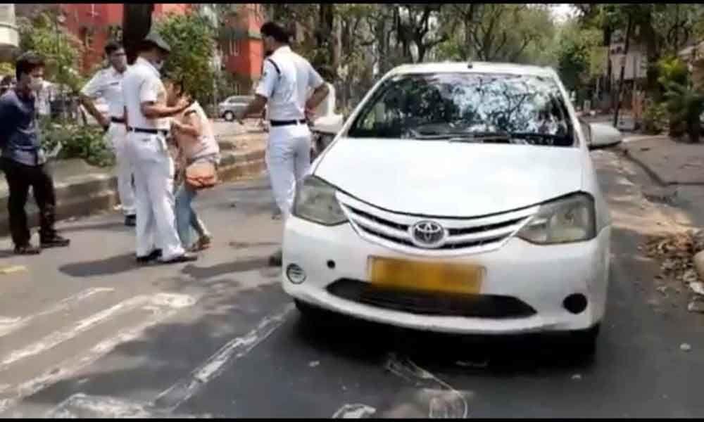 Woman bites police officer who stops her for violating lockdown rules in Kolkata