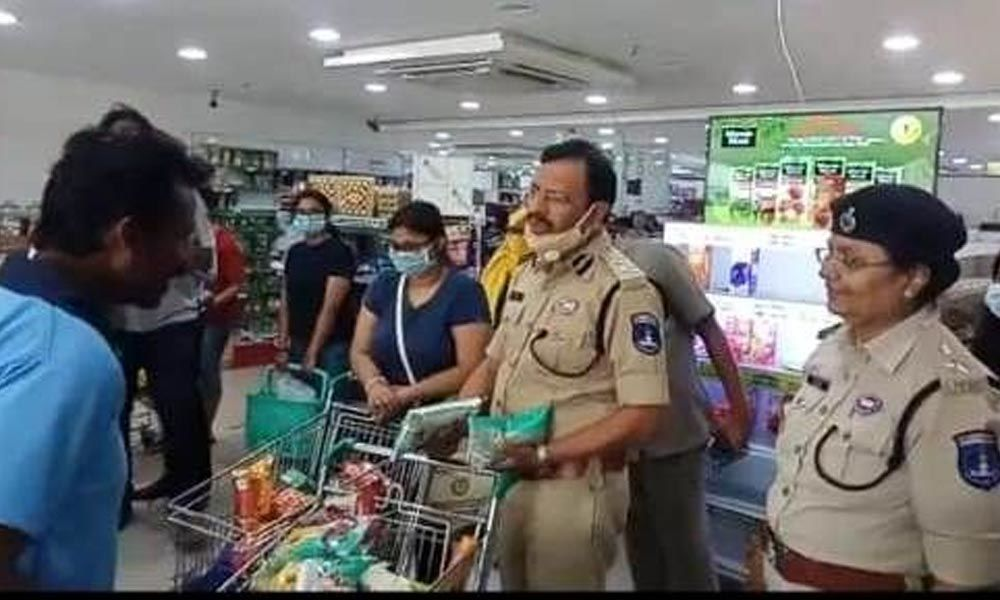Hyderabad: Surprise checks conducted on supermarkets