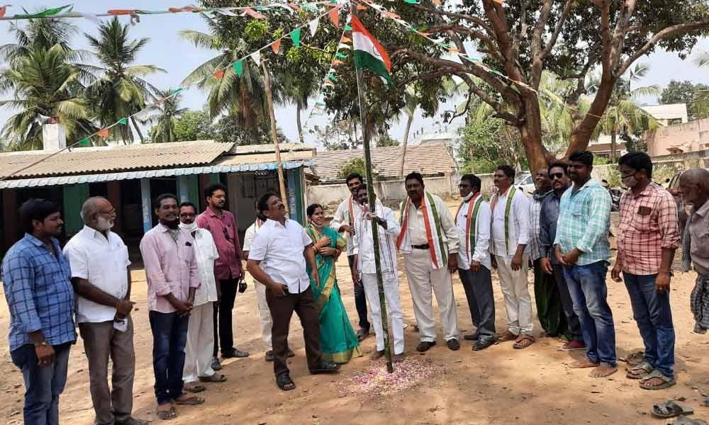 APCC vice-president Sodadasi Luther hoisting national flag at Korukonda on Thursday