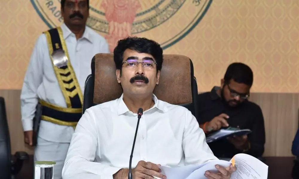 Vaccination drive: Collector Muralidhar Reddy suspends errant officials