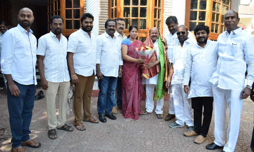 Corporator greets MLC elect in LB Nagar