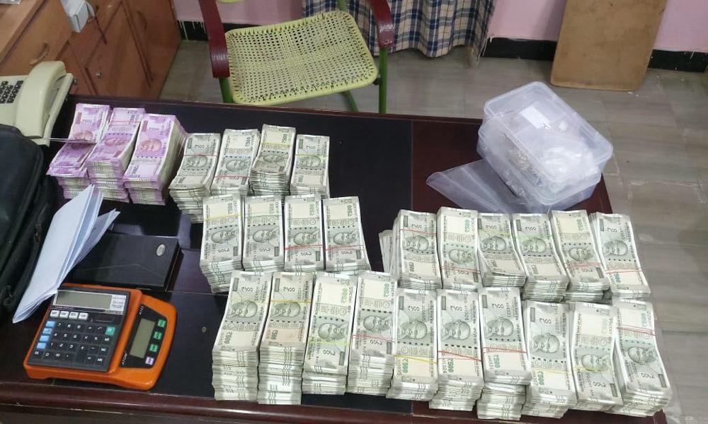 1.2 kg gold, 88 lakh cash seized