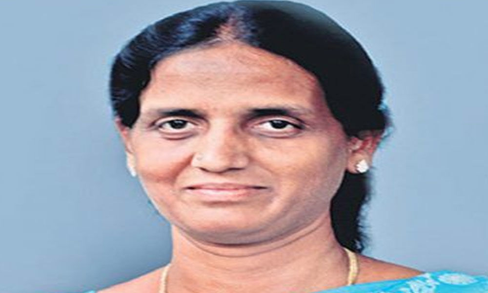 Sabitha meets KCR, to join TRS in two-three days