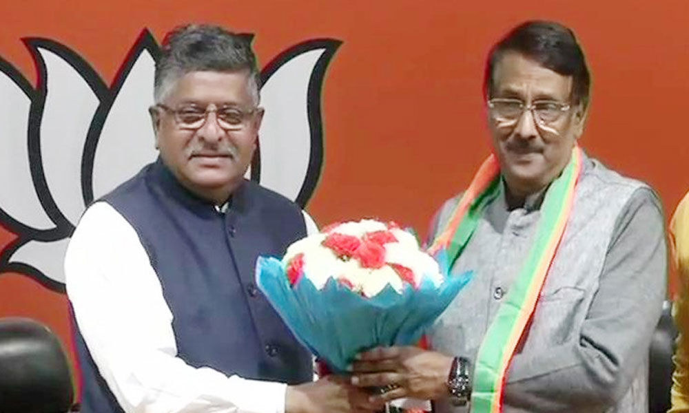 Sonia Gandhi aide Tom Vadakkan joins BJP