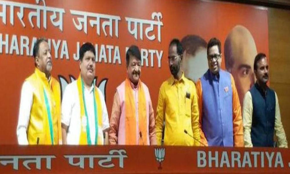 TMC sitting MLA Arjun Singh joins BJP