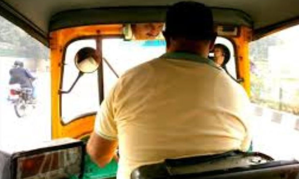 Girl jumps from moving auto to resist molestation by driver in Lucknow