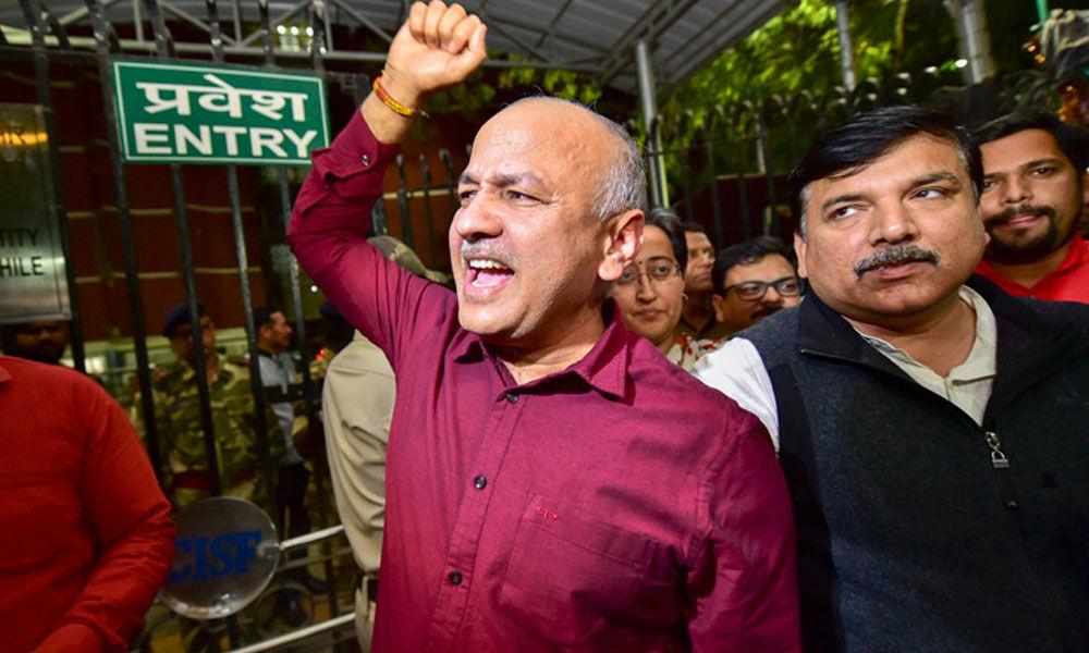 AAP, BJP clash over Delhi Police raids on call centres