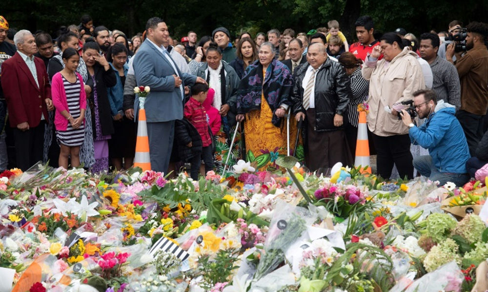 Kiwis pay tribute as relatives clamour for return of dead