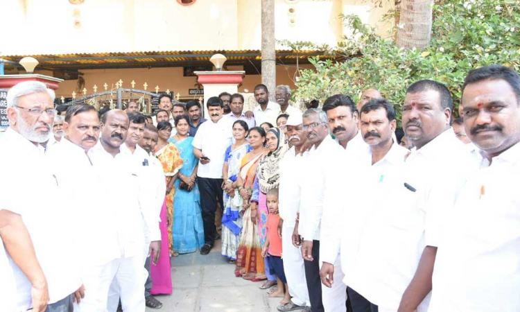 MLA Mynampally Hanumanth Rao holds meet on Vajpayeenagar issues