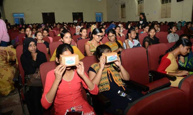 GHMC sets up virtual reality polling booth