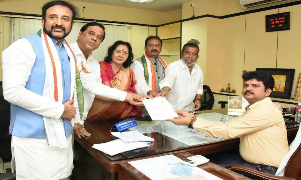 Madan Mohan files papers for Lok Sabha polls