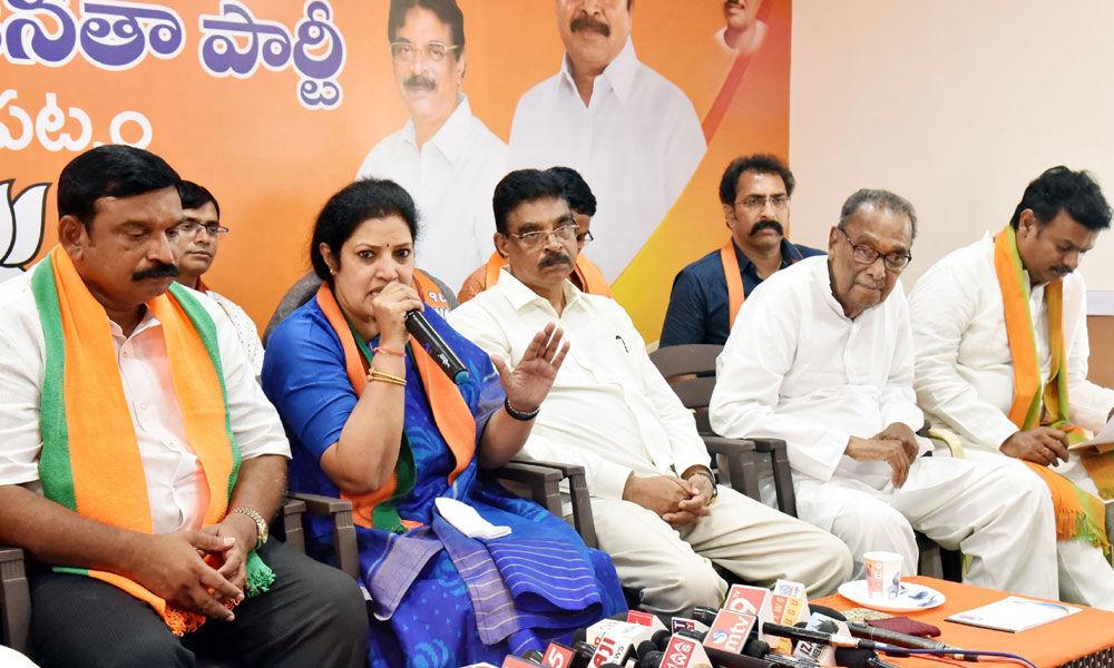 BJPs Purandeswari promises Viswapatnam