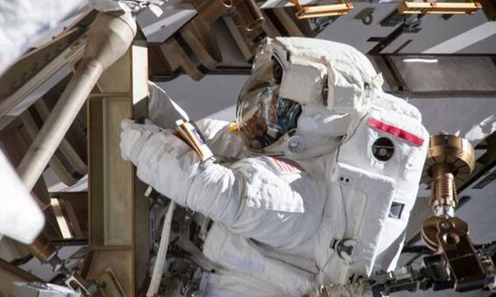 NASAs historic all-women spacewalk scrapped due to lack of fitting spacesuits