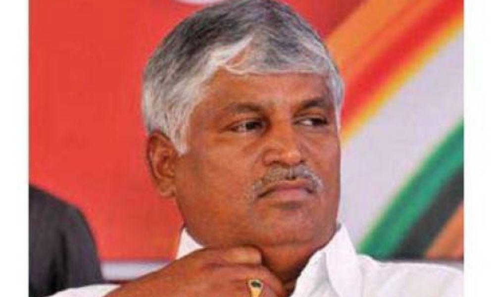 IT officials carry out raids on Karnataka minister Puttarajus residence