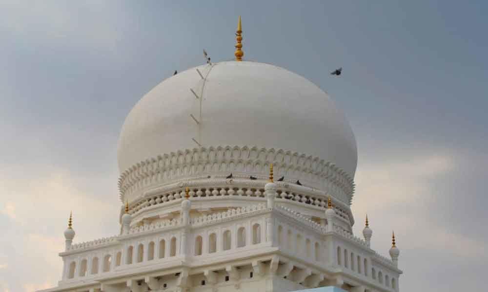 Hari gumbaz turns white during facelift