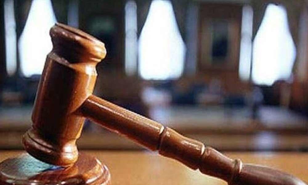 AP High court orders not to speak over YS Vivekananda Reddy murder case