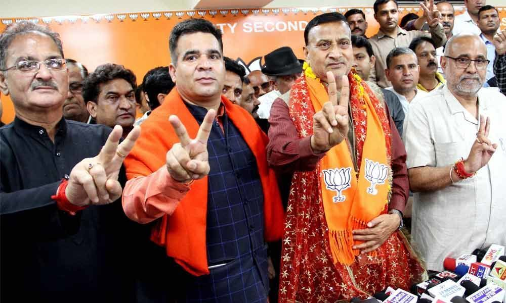 Ex-Cong Minister Shaam Lal joins BJP