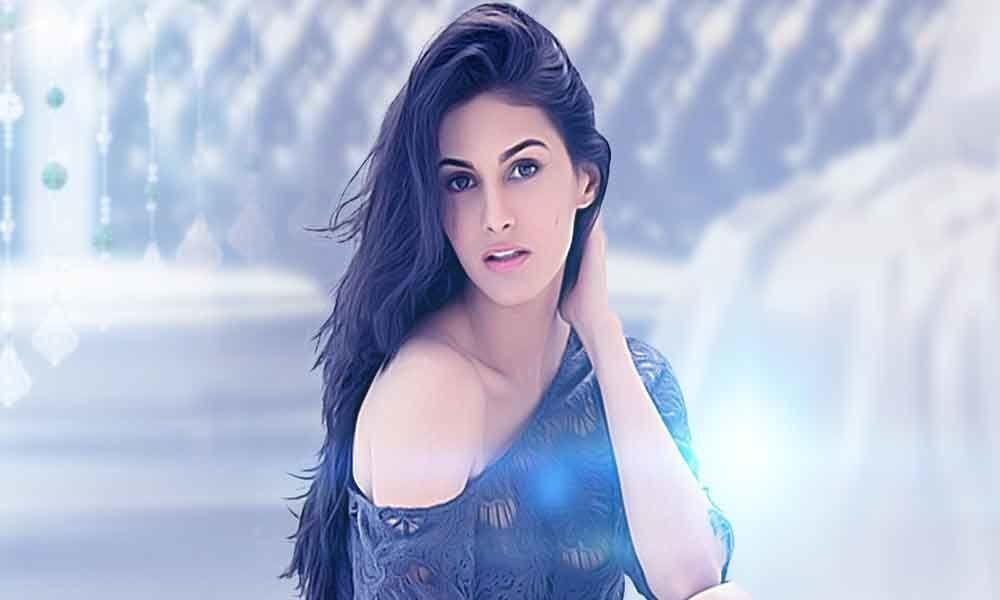 Amyra Dastur acting pricey?