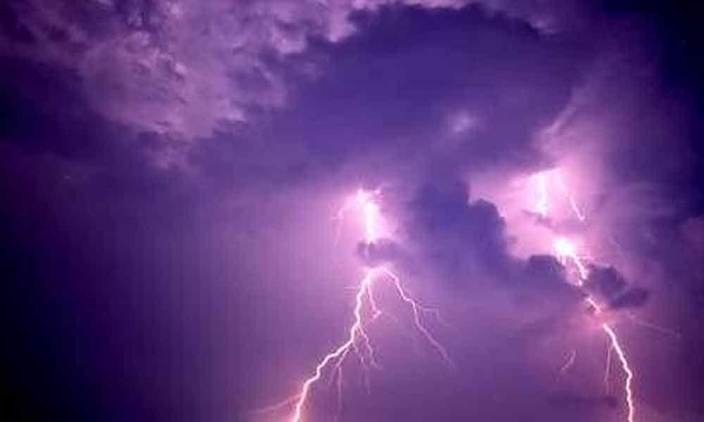 Rain, thunderstorm lash parts of State, city