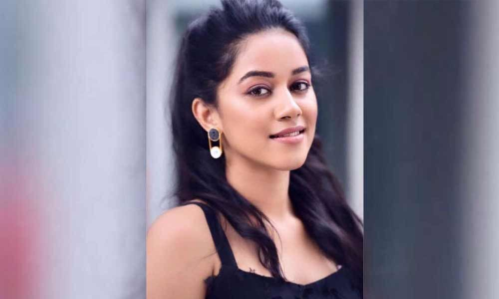 Harish Shankar signs up Tik Tok fame actress in his film