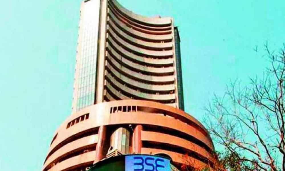 Sensex pares gains after breaching 39,000-level
