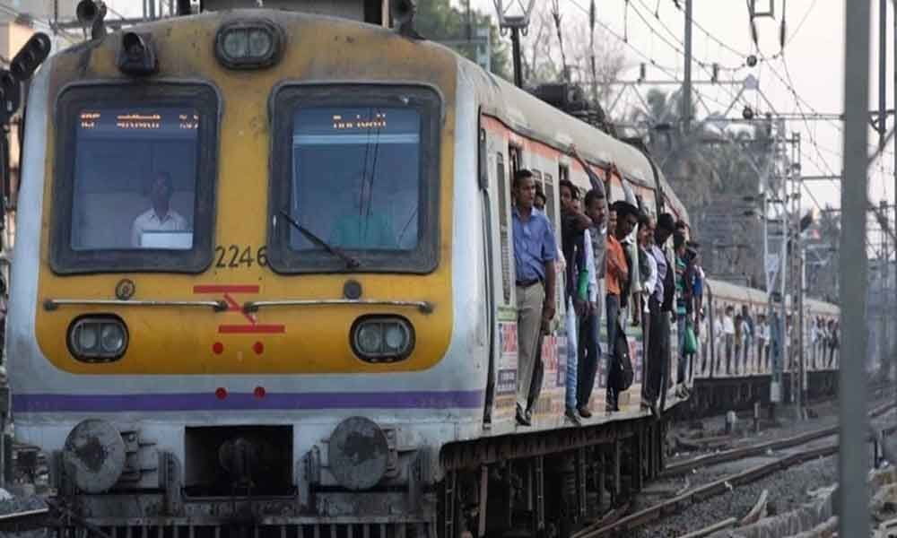 Women fight in Mumbai trains over seats