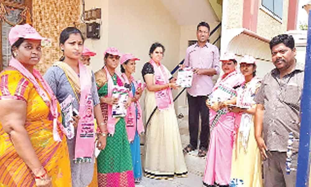 Corporator Prasanna campaigns for Marri