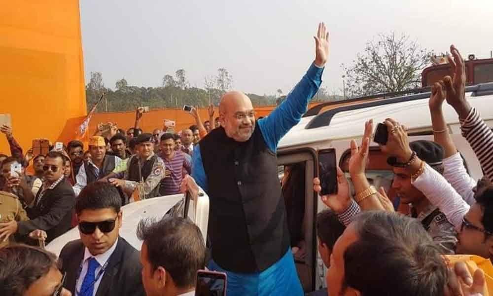 Amit Shah takes out road show in Gandhinagar