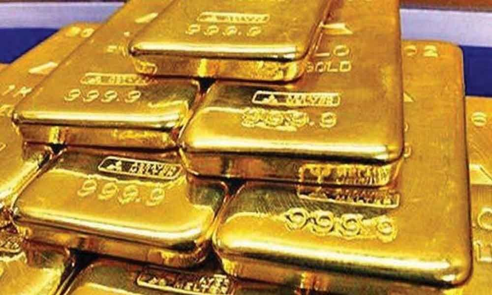 Gold crosses Rs 33,000-mark, silver firms up
