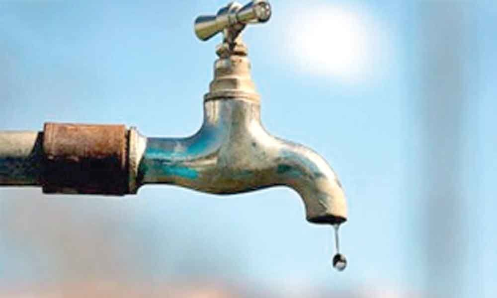 Taps in Karkhana area running dry for a month