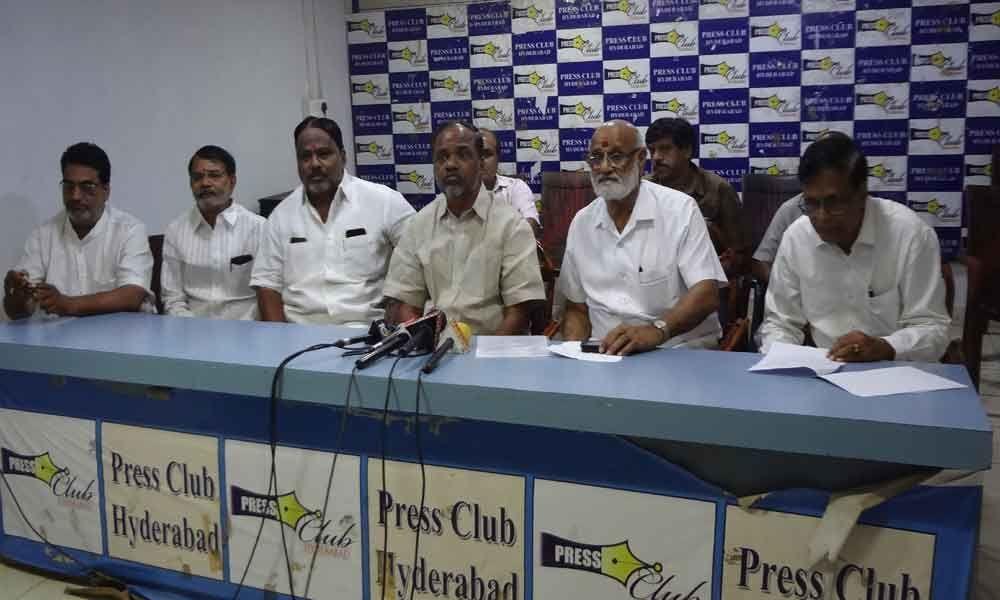 Gujaratis and Rajasthanis back TRS