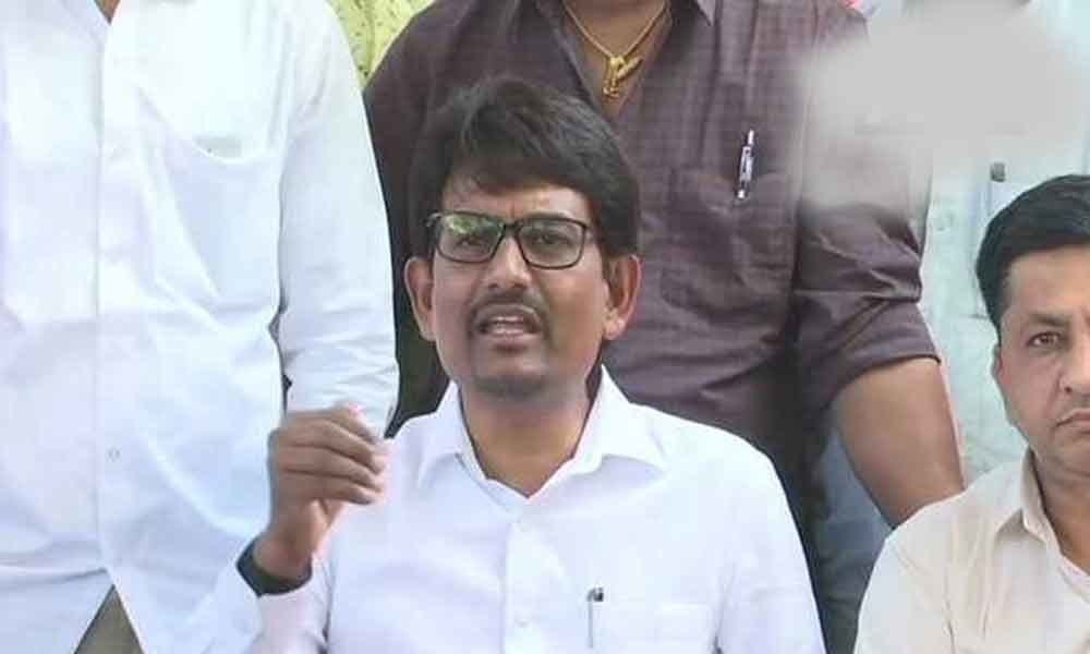 Thakor Sena asks Alpesh to resign from Congress in 24 hours
