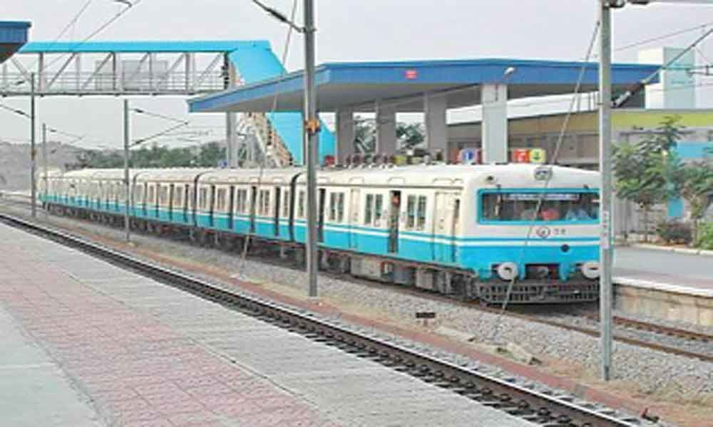 MMTS sees no impact of Metro Rail services