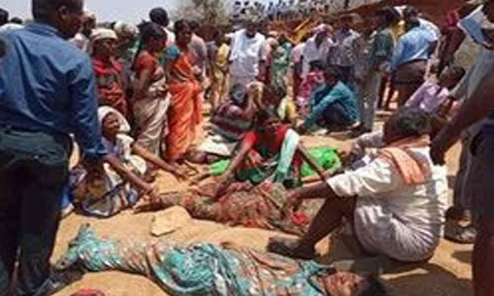 10 Mgnrega workers buried alive